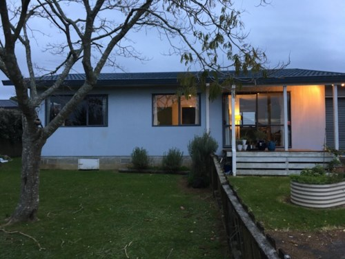 Pukekohe, WHITE BEAUTY, Property ID: 46002858 | Barfoot & Thompson