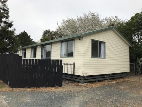 Pukekohe, FRESHLY RENOVATED HOME, Property ID: 46003085 | Barfoot & Thompson
