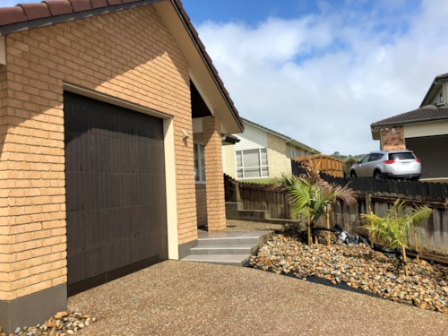 Pukekohe, Pukekohe Rear Find Town House , Property ID: 46004090 | Barfoot & Thompson