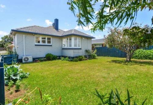 Pukekohe, Central Location on Victoria , Property ID: 46004115 | Barfoot & Thompson