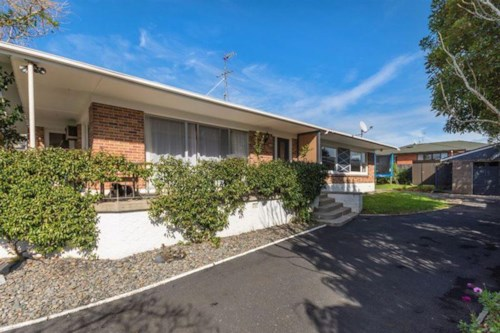 Pukekohe, Spacious Family Home on Helvetia , Property ID: 46004119 | Barfoot & Thompson