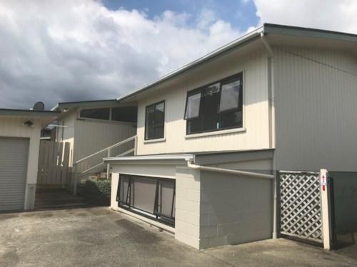 Pukekohe, HANDY TO TOWN, Property ID: 46004123   Barfoot & Thompson
