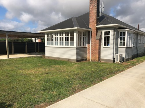 Pukekohe, CHARMING BUNGALOW, Property ID: 46004131 | Barfoot & Thompson