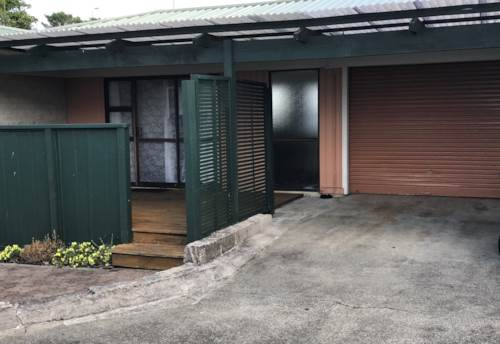 Tuakau, COSY UNIT NEAR SHOP, Property ID: 46004134 | Barfoot & Thompson