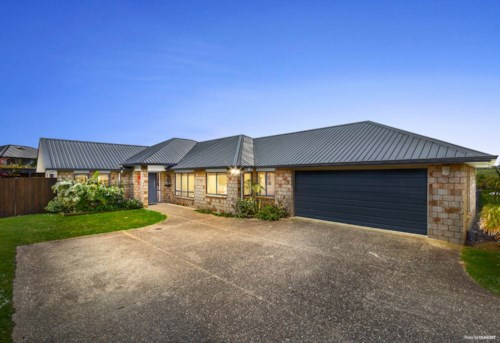 Pukekohe, 4 BEDROOMS + STUDY, Property ID: 46004135 | Barfoot & Thompson