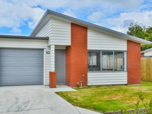 Papakura, TIDY HOME IN GOOD LOCATION, Property ID: 46004167 | Barfoot & Thompson