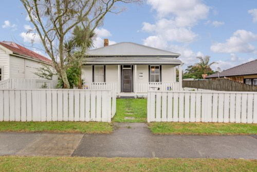 Pukekohe, CUTE BUNGALOW, Property ID: 46004181 | Barfoot & Thompson