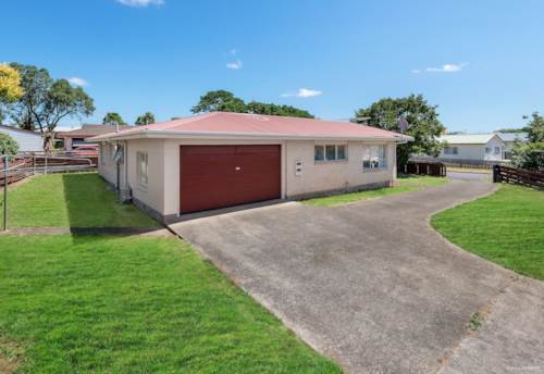 Pukekohe, 3BRM HOME ON GOOD SIZED SECTION , Property ID: 46004261 | Barfoot & Thompson
