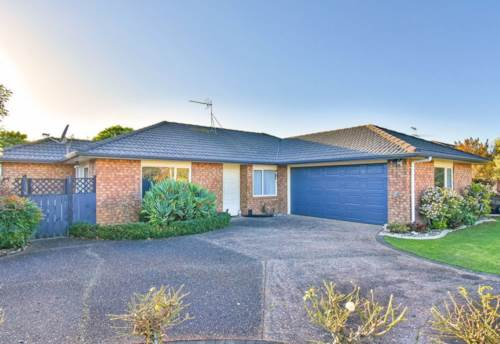 Pukekohe, PRIVATE AND SPACIOUS , Property ID: 46004298 | Barfoot & Thompson
