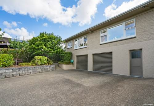 Pukekohe, CALLING ALL FAMILIES, Property ID: 46004365 | Barfoot & Thompson