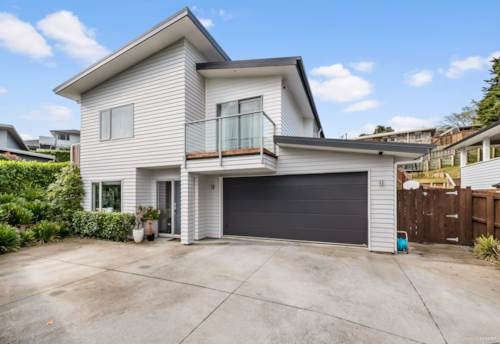 Pukekohe, MODERN HOME - GOOD SCHOOL ZONING, Property ID: 46004438 | Barfoot & Thompson