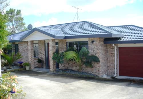 Stanmore Bay, One level Family Living, Property ID: 47001625 | Barfoot & Thompson