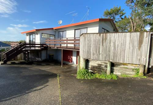 Stanmore Bay, Family home close to Stanmore Bay School, Property ID: 47001691 | Barfoot & Thompson