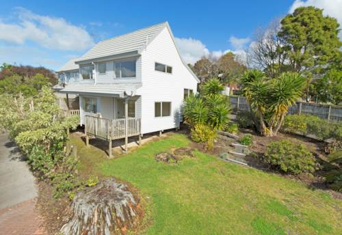 Stanmore Bay, 3 bedroom home in quiet cul de sac, Property ID: 47001693 | Barfoot & Thompson