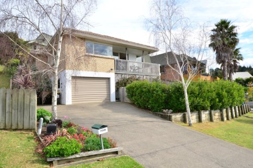 Arkles Bay, 3 Bedroom family home in  Arkles Bay, Property ID: 47001722 | Barfoot & Thompson