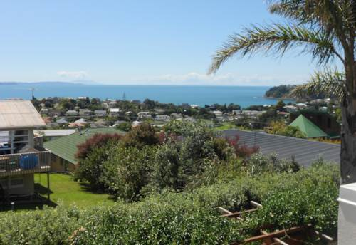 Stanmore Bay, Executive family home with panoramic views, Property ID: 47001745 | Barfoot & Thompson