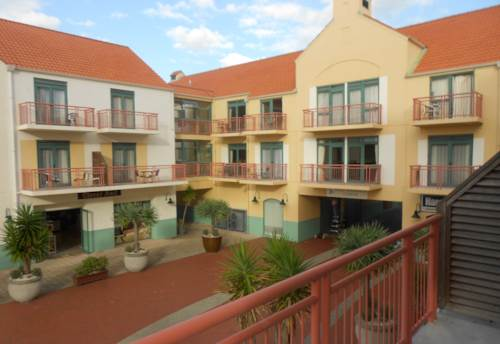Gulf Harbour, Fully Furnished 1 bedroom Apartment overlooking the Canal!, Property ID: 47001851 | Barfoot & Thompson