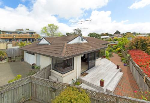 Manly, Overlooking Manly Beach, Property ID: 47001864   Barfoot & Thompson