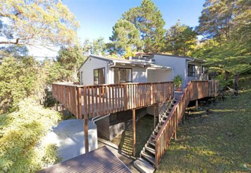 Stanmore Bay, Contemporary home with sea views, Property ID: 47001877 | Barfoot & Thompson