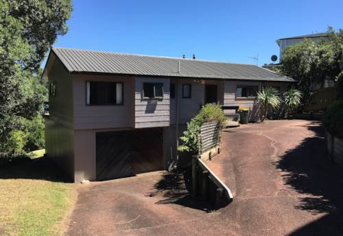 Tindalls Beach, Lockwood home with veiws across Manly Beach, Property ID: 47001882 | Barfoot & Thompson