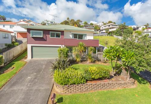 Arkles Bay, Large family home in Arkles Bay, Property ID: 47001976 | Barfoot & Thompson