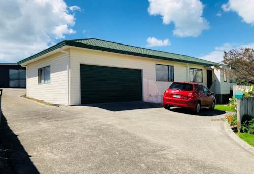 Stanmore Bay, Light and Sunny, Property ID: 47001982 | Barfoot & Thompson