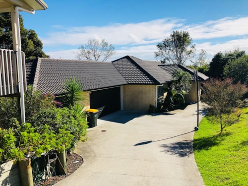 Manly, Family Home in private setting, Property ID: 47001995 | Barfoot & Thompson
