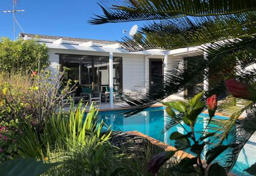 Army Bay, Spacious family home with swimming pool, Property ID: 47002007 | Barfoot & Thompson