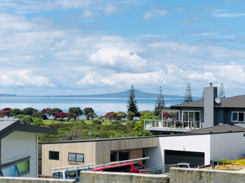 Army Bay, Beautiful family home with magnificent views, Property ID: 47002055   Barfoot & Thompson