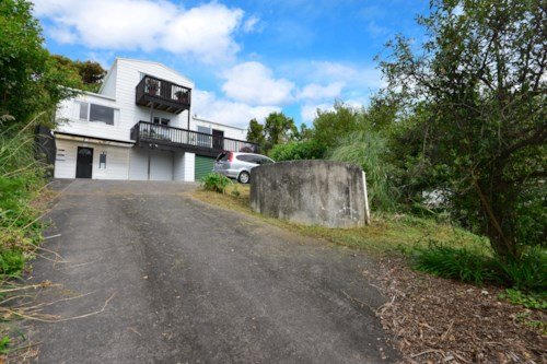 Army Bay, Fabulous, spacious, park-side home, Property ID: 47002059   Barfoot & Thompson