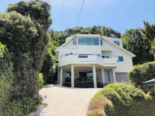 Arkles Bay, Tropical paradise in Arkles Bay - fully furnished until November 2019, Property ID: 47002067 | Barfoot & Thompson