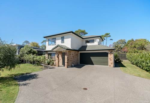 Manly, Large family home in sought after Manly, Property ID: 47002070 | Barfoot & Thompson