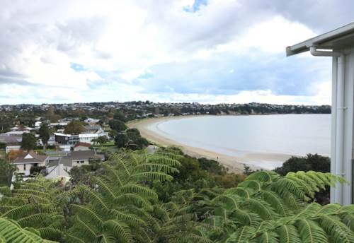 Tindalls Beach, Beautiful cliff top property available until end November - furnished, Property ID: 47002073 | Barfoot & Thompson