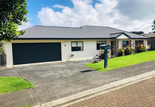 Arkles Bay, Beautiful Furnished Home available until end December 2019, Property ID: 47002091 | Barfoot & Thompson