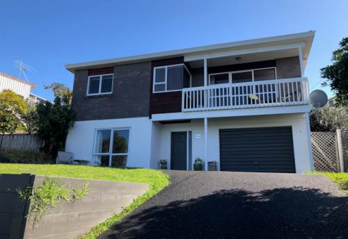 Manly, Large family home in Manly, Property ID: 47002132 | Barfoot & Thompson