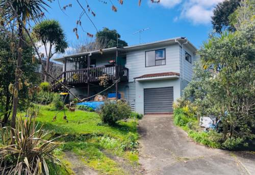 Stanmore Bay, 2 bedroom tidy home, Property ID: 47002136 | Barfoot & Thompson