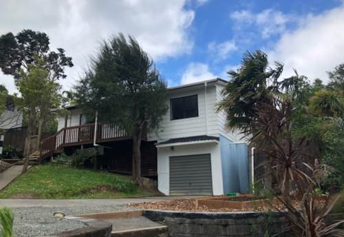 Stanmore Bay, 2 bedroom tidy home, Property ID: 47002136   Barfoot & Thompson