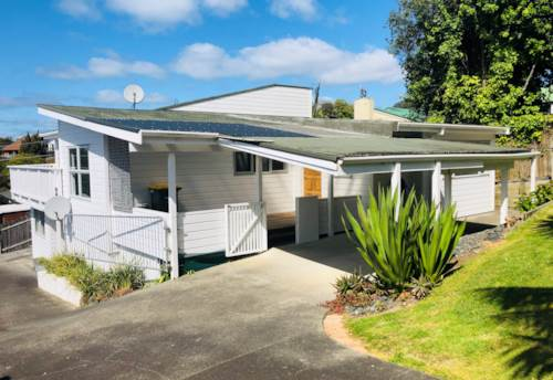 Manly, Immaculate home close to Whangaparaoa Primary, Property ID: 47002137   Barfoot & Thompson