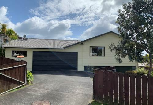 Stanmore Bay, Handy Location, Property ID: 47003217 | Barfoot & Thompson