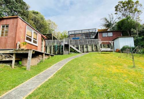 Stanmore Bay, Large family home, Property ID: 47003220 | Barfoot & Thompson