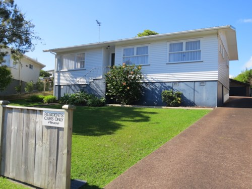 Lynfield, Canberra Ave - Handy Location, Property ID: 48000132 | Barfoot & Thompson