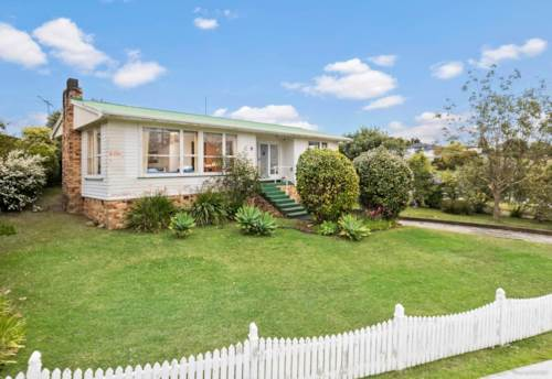 Blockhouse Bay, Handy to shops & local school, Property ID: 48000482 | Barfoot & Thompson