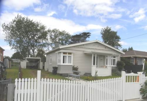 Blockhouse Bay, House on full section, Property ID: 48000509 | Barfoot & Thompson