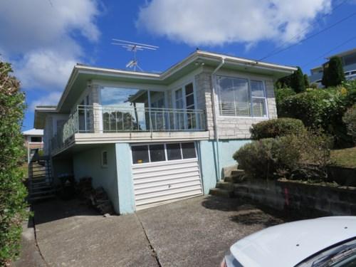 Blockhouse Bay, Blockhouse Bay Old charmer , Property ID: 48001716 | Barfoot & Thompson