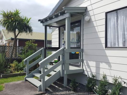 Orewa, LOOKING FOR A LOVE NEST!!, Property ID: 49000683   Barfoot & Thompson