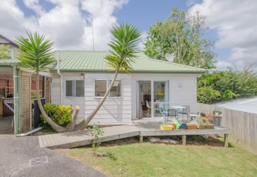 Ranui, CUTE AND COSY, Property ID: 49000772 | Barfoot & Thompson