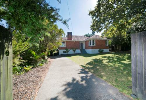 Glen Eden, GREAT FAMILY HOME, Property ID: 49000776 | Barfoot & Thompson