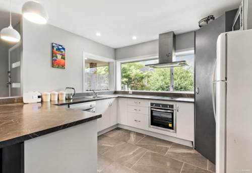 Glen Eden, Fully refurbished 3 Bed Home! , Property ID: 49000817 | Barfoot & Thompson