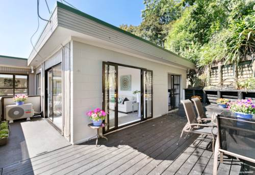 Remuera, WOW LOOK AT THE VIEWS - DGZ , Property ID: 50002063 | Barfoot & Thompson