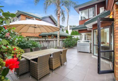 Epsom, Rare find in Double Grammar Zone!, Property ID: 50003157 | Barfoot & Thompson